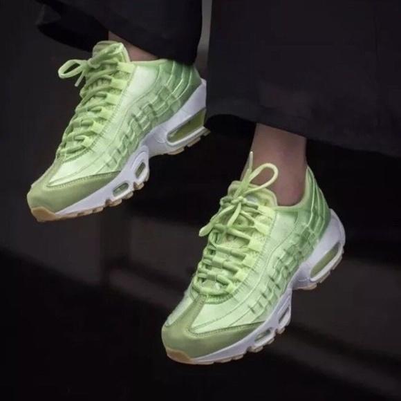 b6fee213 NIKE Air Max 95 WQS Womens Sz 9 Shoes Liquid Lime